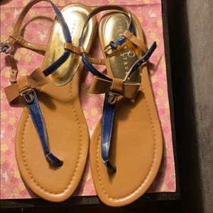 Ivanka Trump size 10 navy and tan bow sandal